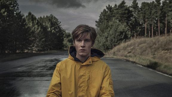 "Louis Hofmann in der Netflixserie ""Dark"""