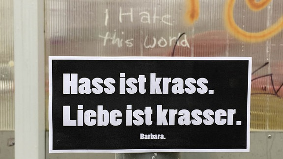 """""""Hass ist krass. Liebe ist krasser. Barbara."""" Buchcover"""