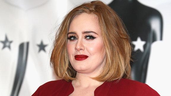 Portrait von Adele bei den Brit Awards im Feb. 2016.