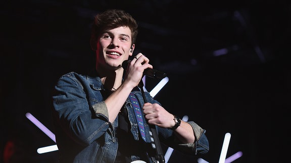 Shawn Mendes wärend eines Konzerts in Boston/U.S.A.