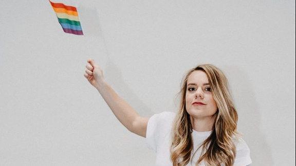 Ricarda Hofmann ist teil des lesbischen Podcasts Busenfreundinnen.