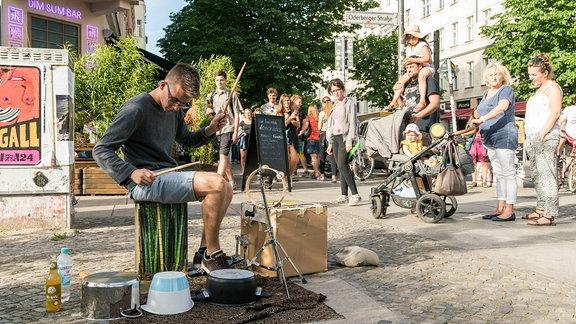Straßenmusiker in Berlin Prenzlauer Berg