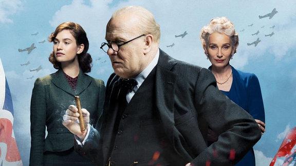 """Filmplakat """"Die dunkelste Stunde"""" Film mit Gary Oldman als Winston Churchill, Lily James als Elizabeth Layton & Kristin Scott Thomasals Clementine Churchill"""