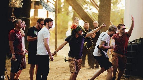 Besucher beim Forest Jump Festival (2016)
