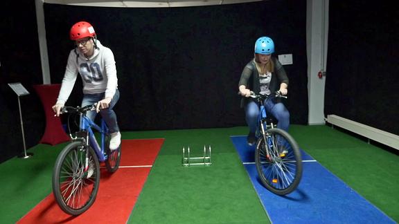 Extrem-Langsamradfahren: Kathrin und Raimund kämpfen um jede Sekunde!